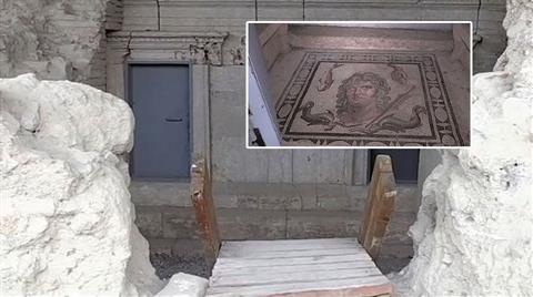 Antik Kente 2 Bin Yıllık Taşları Delerek Demir Kapı Monte Ettiler