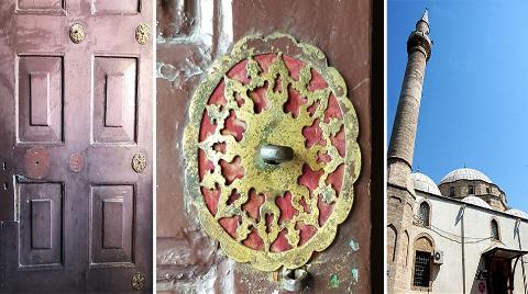 Tarihi Camiden Tek Tek Çalınıyorlar