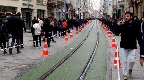 """Taksim'deki Nostaljik Tramvay Hattı """"Yeşillendi"""""""