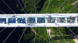 Çin Dünyanın En Uzun Cam Köprüsünü Yaptı