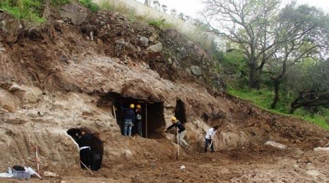 Villa İnşaatında Kaya Mezarları Bulundu