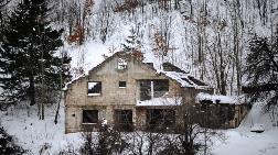 Bosna'daki Evlerde Savaş Çığlığı Sürüyor