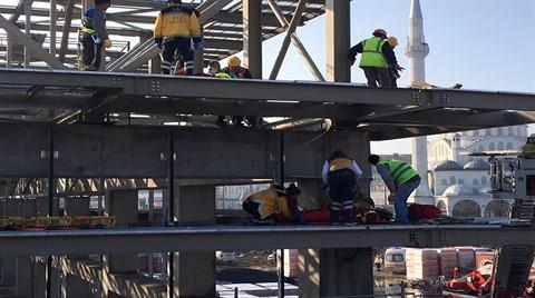 Cemal Kamacı Spor Kompleksi'nin İnşaatında 3 İşçi Çatıdan Düştü