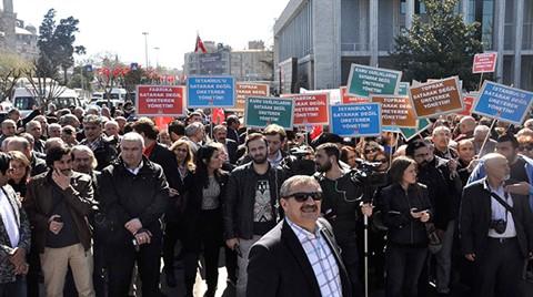 CHP'lilerden İBB Önünde Protesto