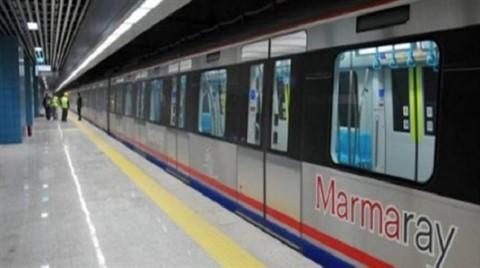 Marmaray'da Bir Kişi Raylara Düştü