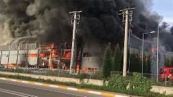 Sakarya'da Fabrika Küle Döndü