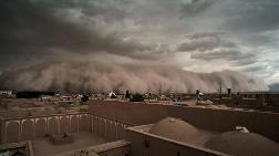 Kum Fırtınası Şehri Birbirine Kattı