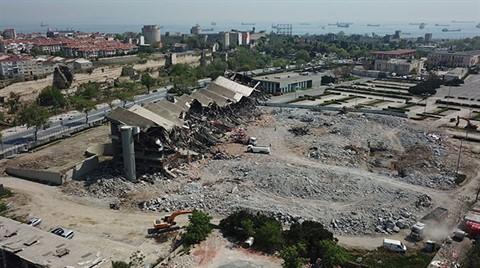 Abdi İpekçi Spor Salonu'nun Yüzde 90'ı Yıkıldı