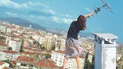 SALT Beyoğlu 'Devamlılık Hatası' Adlı Sergiyle Geri Dönüyor
