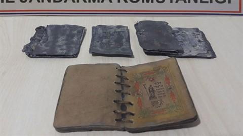 İbranice Yazılı Kitaplar Ele Geçirildi
