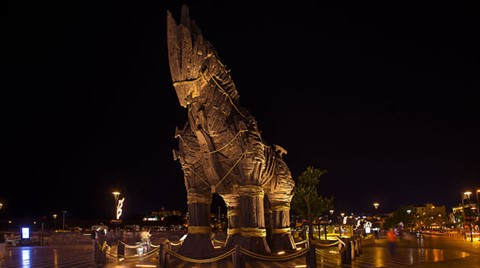 Troya'ya Ziyaretçi Akını