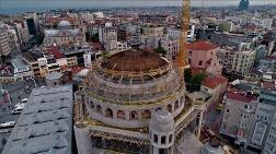 Taksim Camisi'nde Minareler Yükseliyor