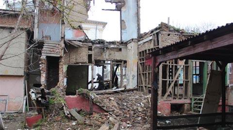 Şehirlerin Güvenliği İçin Metruk Binalar Yıkılıyor