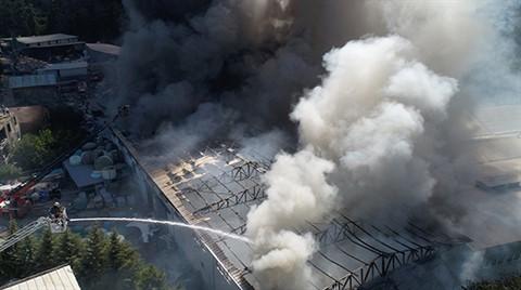 İstanbul'u Dumana Boğan Yangın Havadan Görüntülendi