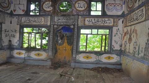 300 Yıllık Cami Kaderine Terk Edildi