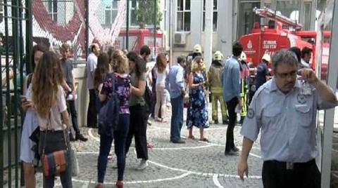 Mimar Sinan Üniversitesi'nde Yangın Paniği