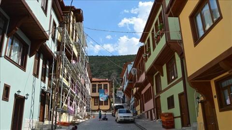 "Afyonkarahisar'ın ""Rengarenk"" Tarihi Evleri"