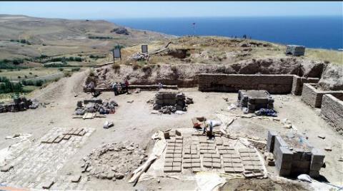 Bilim İnsanlarını Heyecanladıran Ayanis'te Kazılar Sürüyor