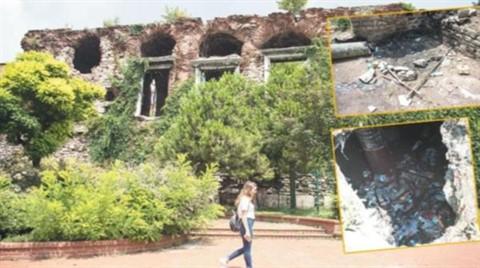 Bizans'tan Kalma Saray Sahipsiz Kaldı