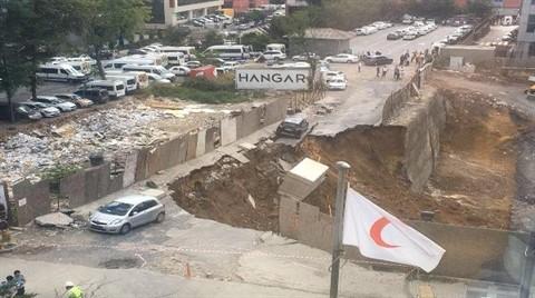 Ümraniye'de İstinat Duvarı Çöktü