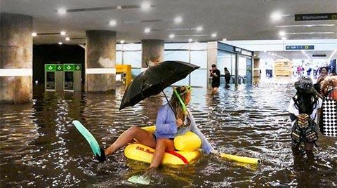 İsveç'te Metro İstasyonu'nu Su Bastı