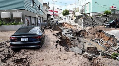 Deprem Dağları Devirdi