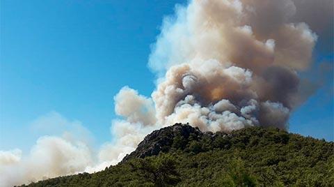 Antalya'da Çıkan Orman Yangını Sürüyor