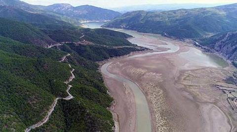 Altınkaya Barajı'nda Kuraklığı Andıran Görüntü