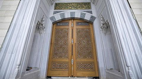 Çamlıca Camisi'ne 6 Tonluk Kapı