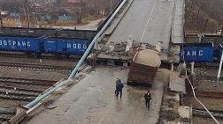 Köprü Trenin Üzerine Çöktü