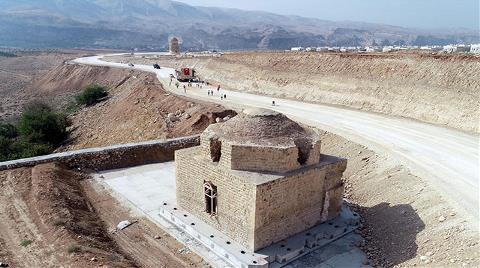 Hasankeyf'te İki Tarihi Eser Daha Taşındı