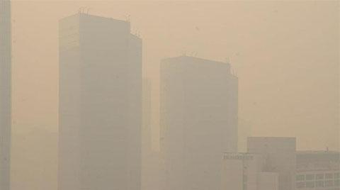 Hindistan'da Hava Kirliliği Alarm Veriyor