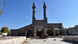 Tarihi Medrese'nin Altındaki Geçit Değil Altyapı