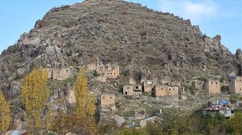 Çukurca'da 400 Yıllık Kale Evler Butik Otele Dönüşüyor