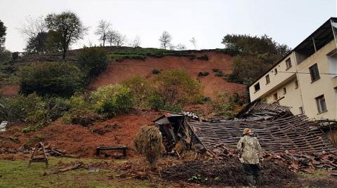 Of'ta Heyelan: 3 Katlı Bina Boşaltıldı
