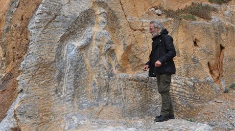 2 Bin Yıllık Herkül Kabartmasına Çirkin Saldırı