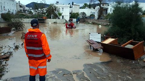 Bodrum'da Sel Felakete Dönüştü