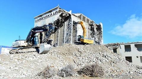 Adana'daki 62 Yıllık Fabrika Yıkıldı