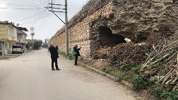 İznik'te, Roma Döneminden Kalma Surlar Malzeme Deposu Oldu