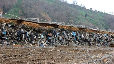 """Duvar Çalışmasıyla """"Çöp Dağı"""" Ortaya Çıktı"""