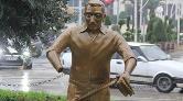'Künefe Çeviren Adam' Heykelinin Bu Kez Ellerini Kırdılar