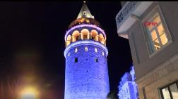 İstanbul'un Simgeleri Mavi ve Turuncuya Büründü