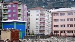 Rize'de Eğimi Artan Binalar Korkutuyor