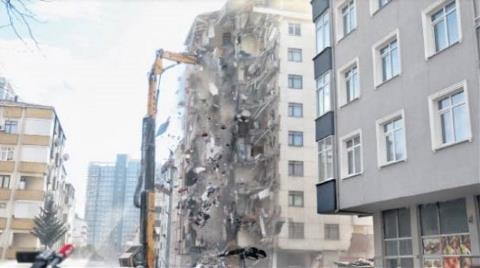 Kartal'da Çöken Binanın Yanındaki Yunus Apartmanı Yıkıldı