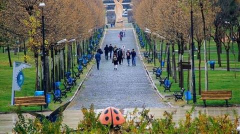 Diyarbakır'da Parkın İçine Cami Tartışması