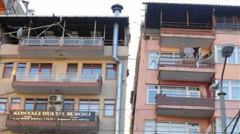 17 Ağustos'tan Beri Hasarlı Olan Binalar Korkutuyor