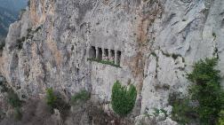 2 Bin 300 Yıllık Kaya Mezarlara Yoğun İlgi