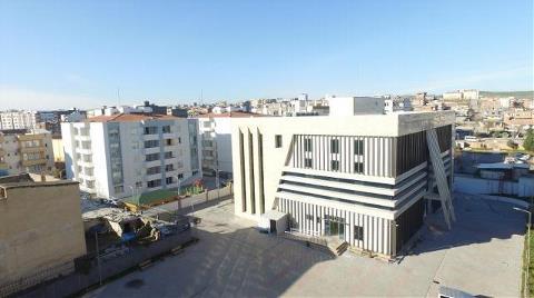 Diyarbakır'da Kayyım Belediye Binasını Emniyet'le Takas Etmiş