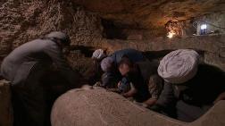 Mısır'da 2 Bin 500 Yıllık Mumya Mezarı Canlı Yayında Açıldı