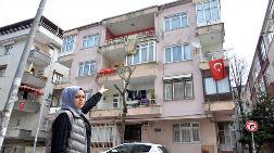 Avcılar'da Yanan Binada Korkutan Görüntü